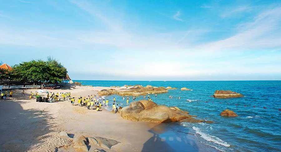 Biển Long Hải biển xanh cát trắng, nắng vàng